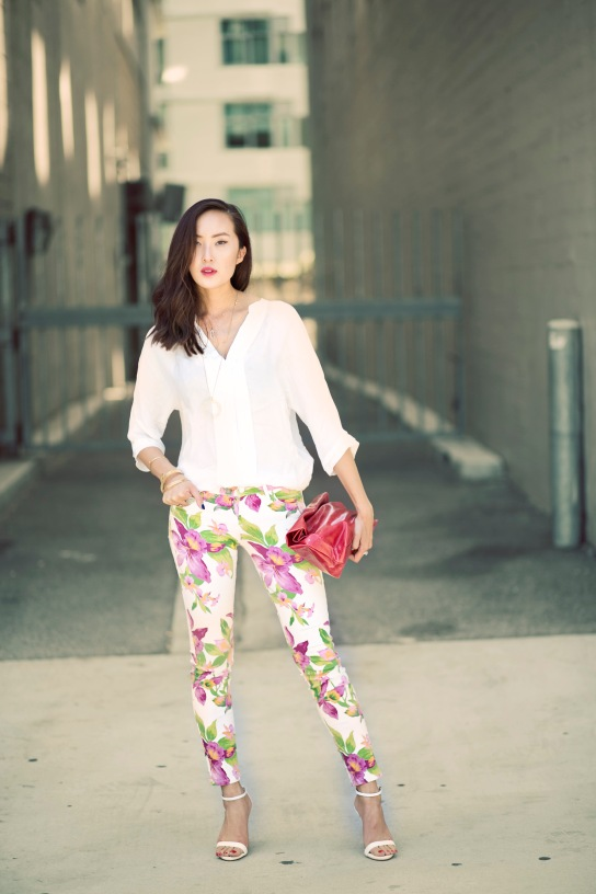 guess_floral_print_jeans_joie_blouse_marie_turnor_lunch_clutch_chriselle_lim