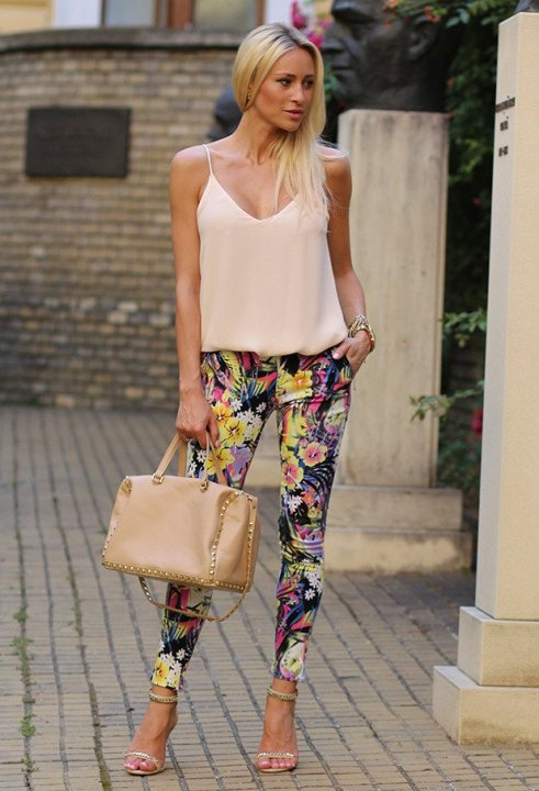 Tank-Top-with-Floral-Printed-Pants-Outfit.jpg